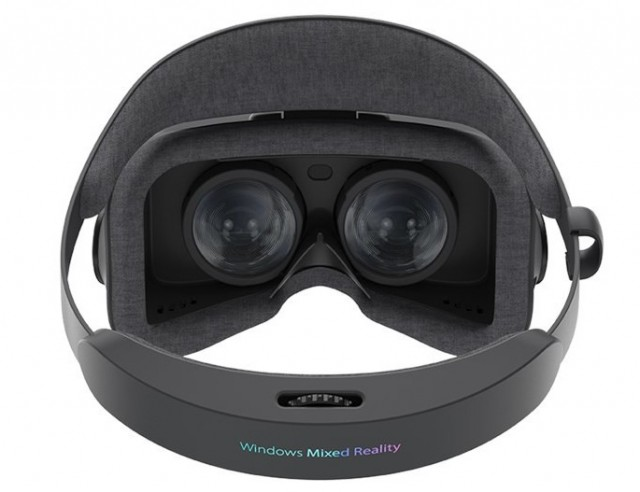 ASUS Windows Mixed Reality Headset HC102