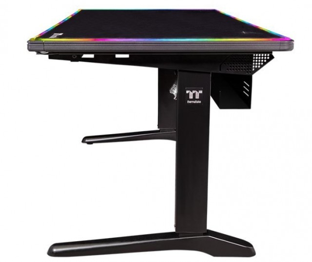 Thermaltake Level 20 RGB Battlestation Gaming Desk