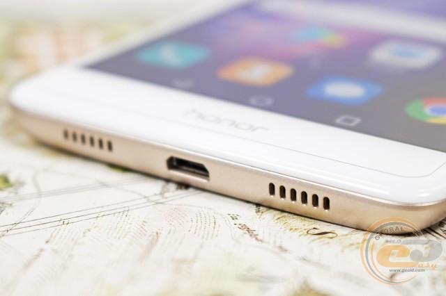 26fa1d608921 Незважаючи на те, що динамік у пристрої один, він доволі гучний (дзвінок  навряд чи пропустите) і пропонує належну якість звучання.