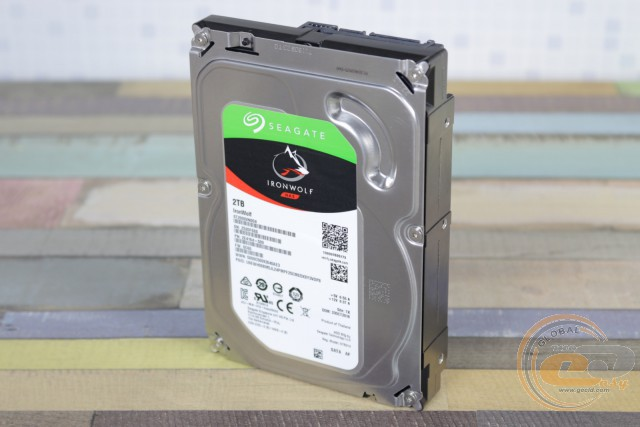Seagate IronWolf (ST2000VN004)
